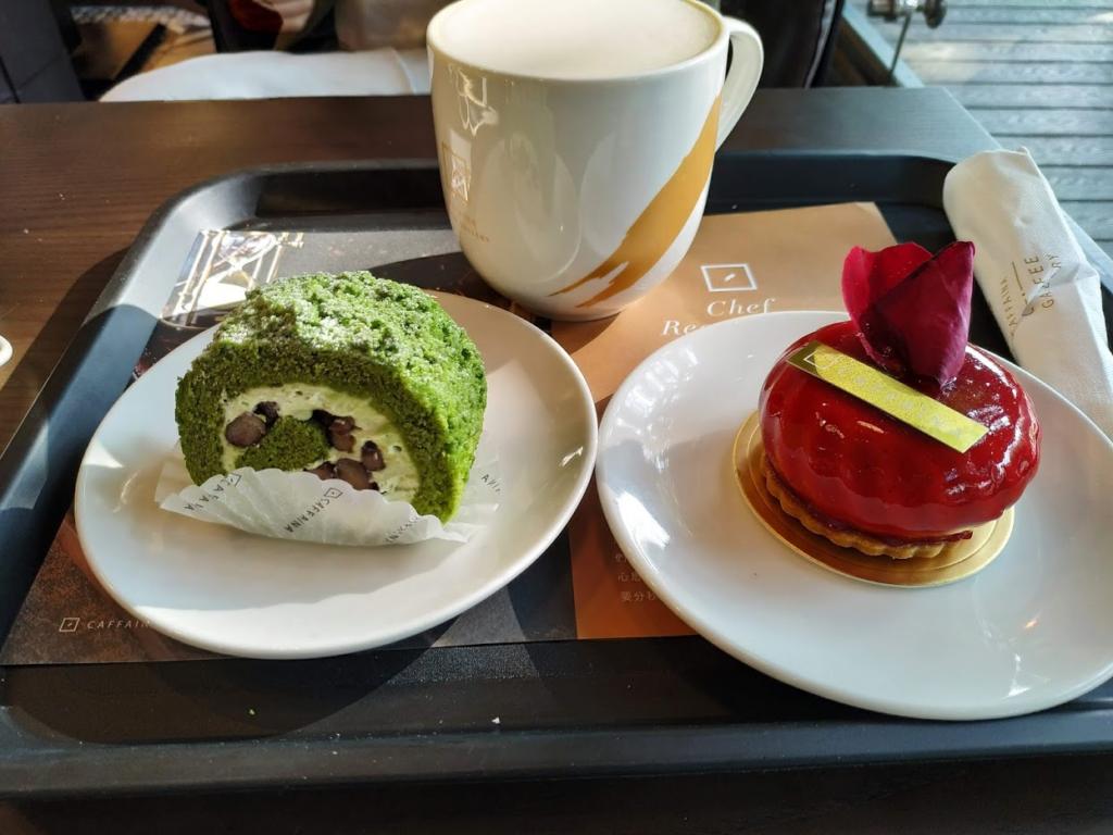 卡啡那文化探索館ケーキ二つ