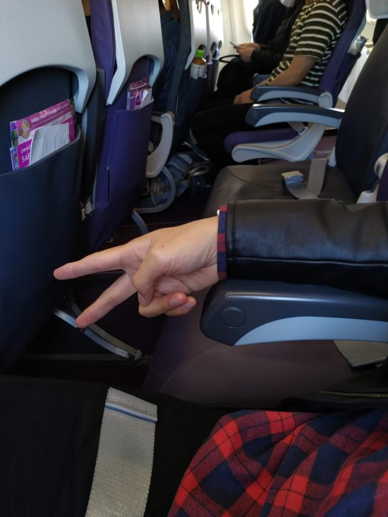 ピーチ航空機内座席の様子私だけで他はいない