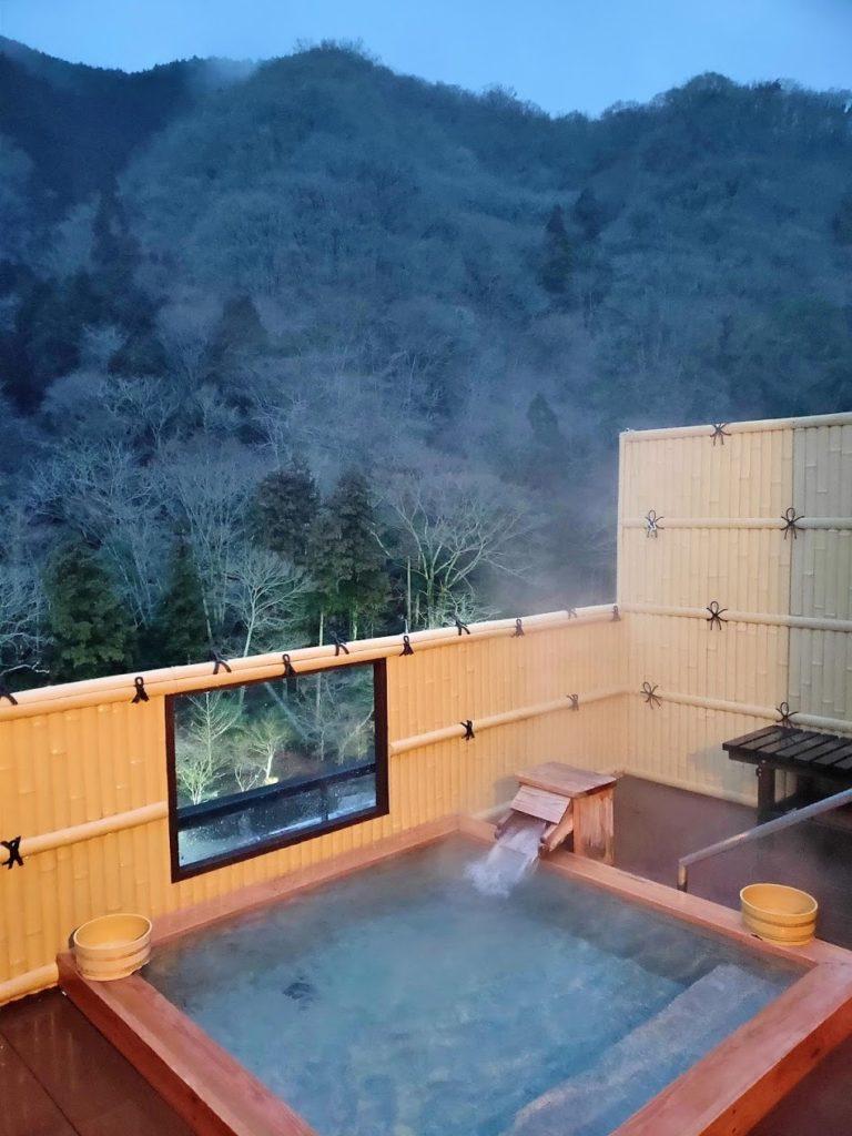 湯快感花やしきの屋上露天風呂
