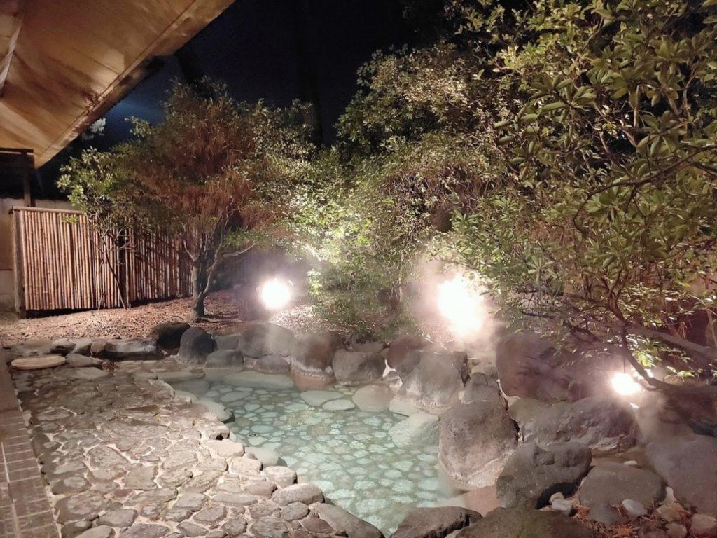 華水亭の本館露天風呂2