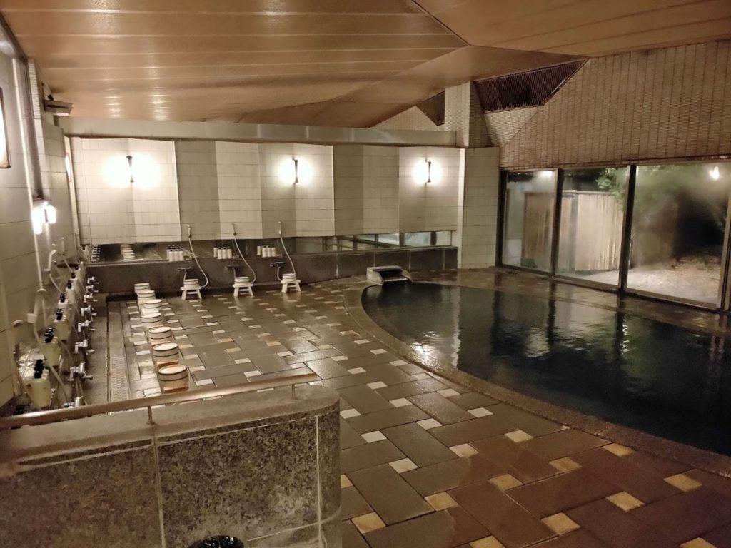 華水亭の本館温泉内風呂