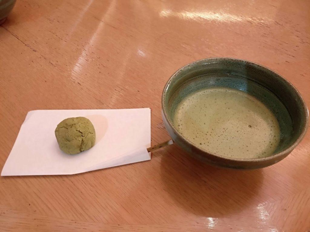 華水亭ウェルカム抹茶とお菓子
