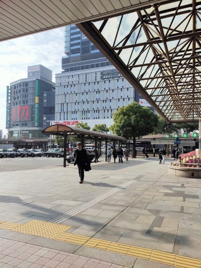 広島駅から路面電車乗り場へ