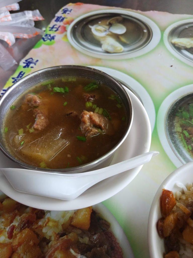 大圓環雞肉飯のスープ