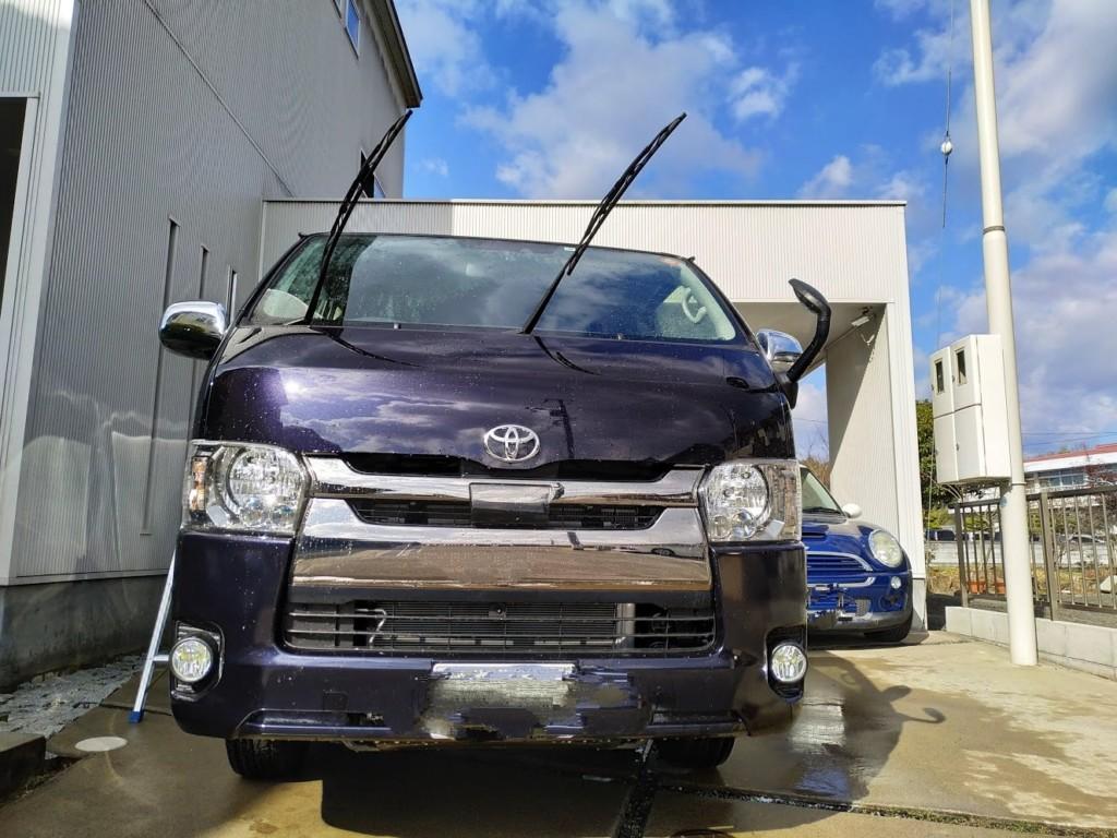 ハイエース洗車正面からの画像