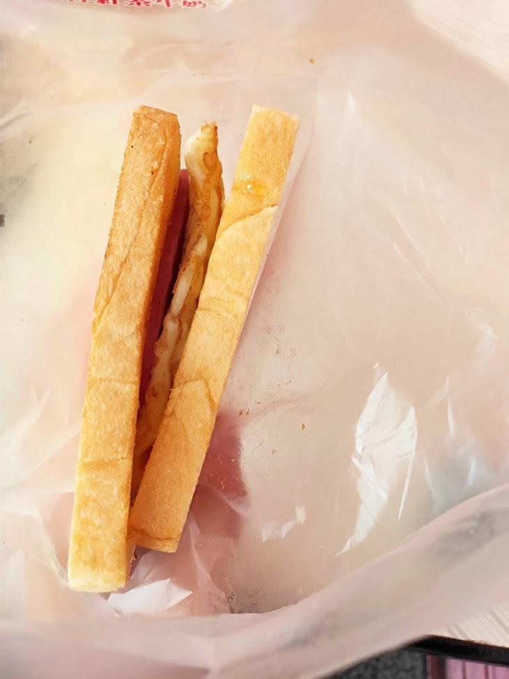 老江紅茶牛奶のトーストサンド