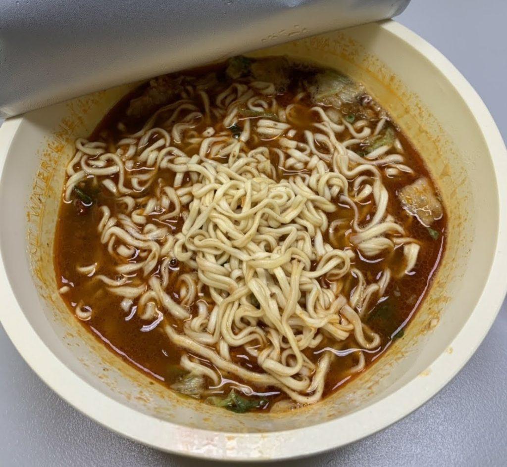満漢大餐インスタントラーメン麺が多い
