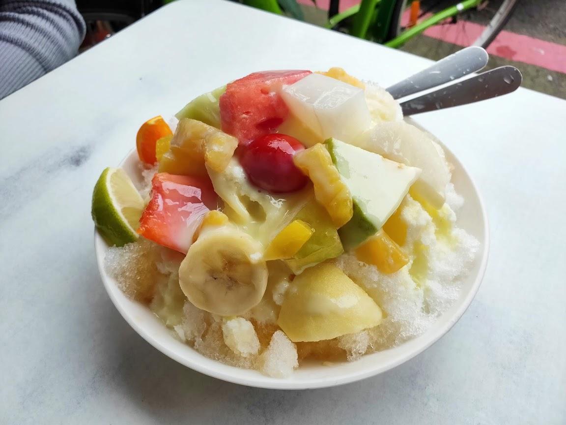 莉莉水果店のフルーツかき氷1