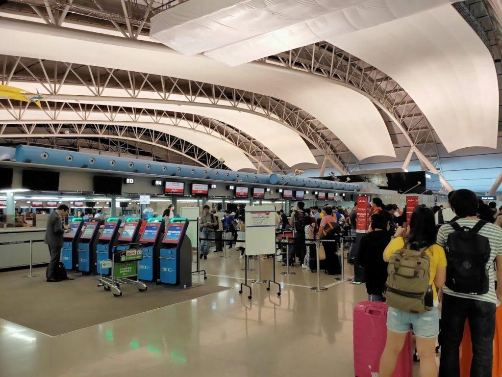 関空エアアジアチェックインカウンター1