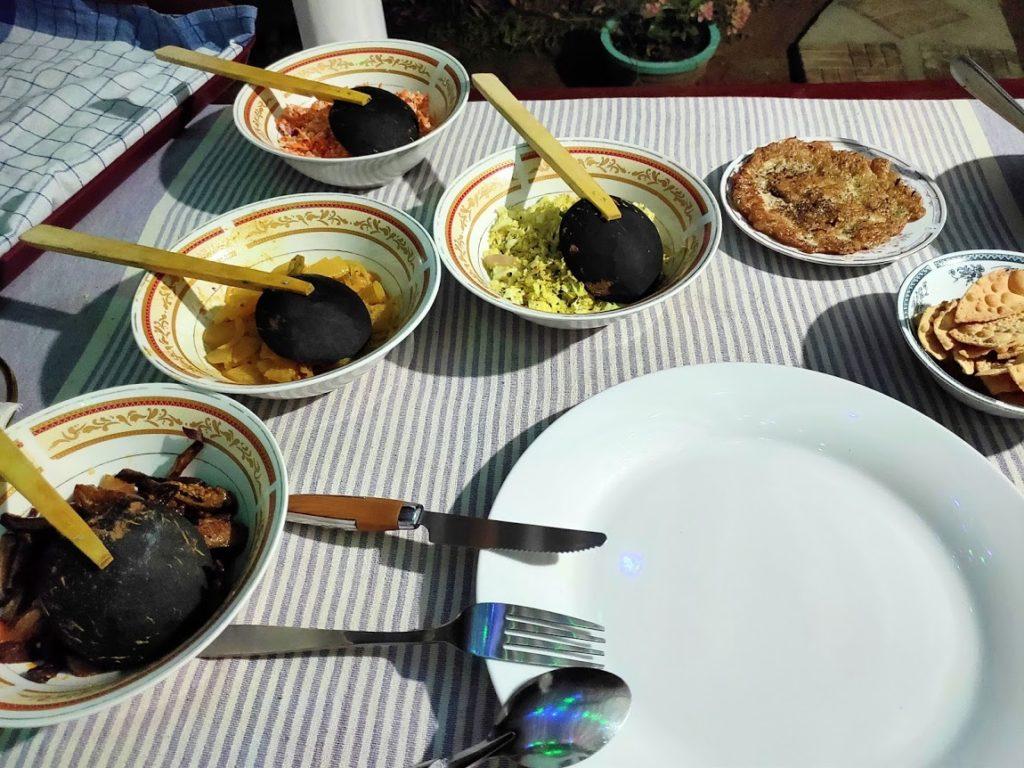 シギリヤロックビューホームステイの夕食1