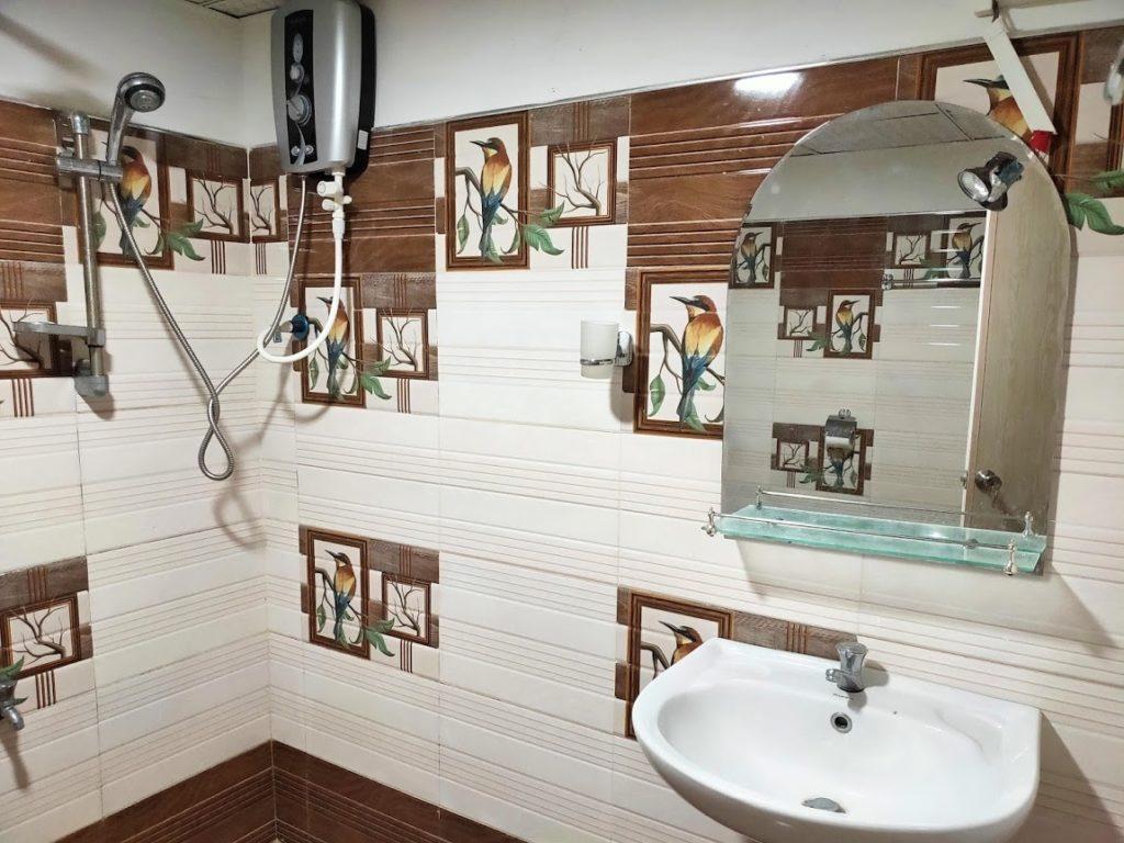 シギリヤロックビューホームステイのシャワールーム