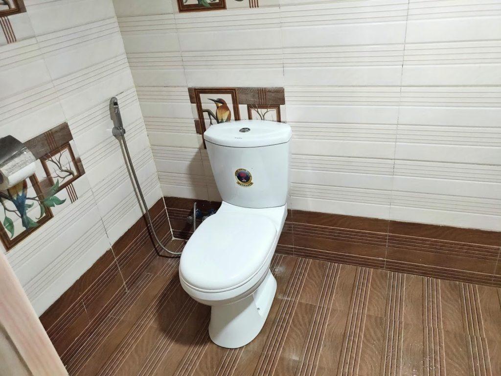 シギリヤロックビューホームステイのトイレ