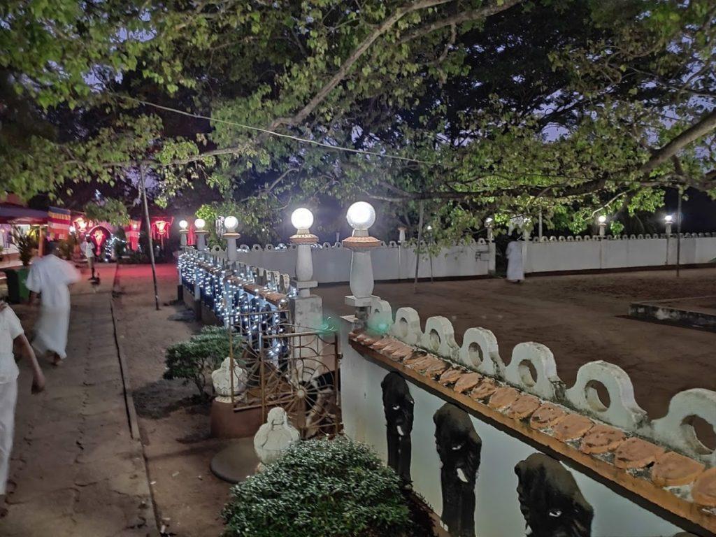ピドゥランガラ仏教寺院