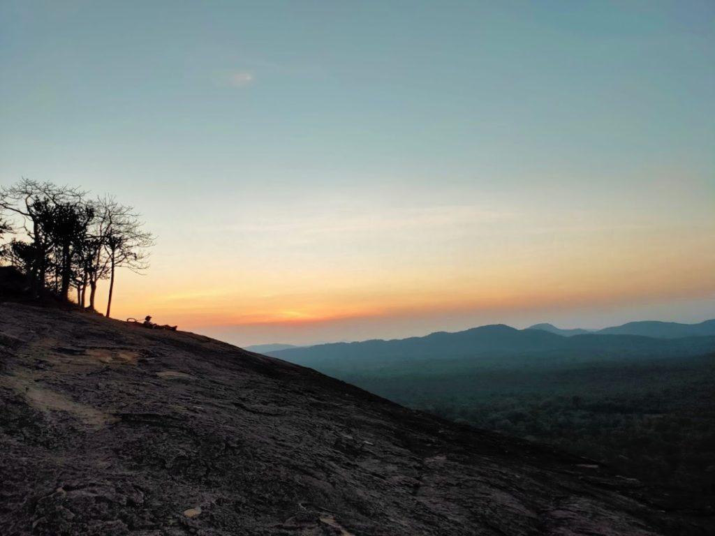 ピドゥランガラロック登山4