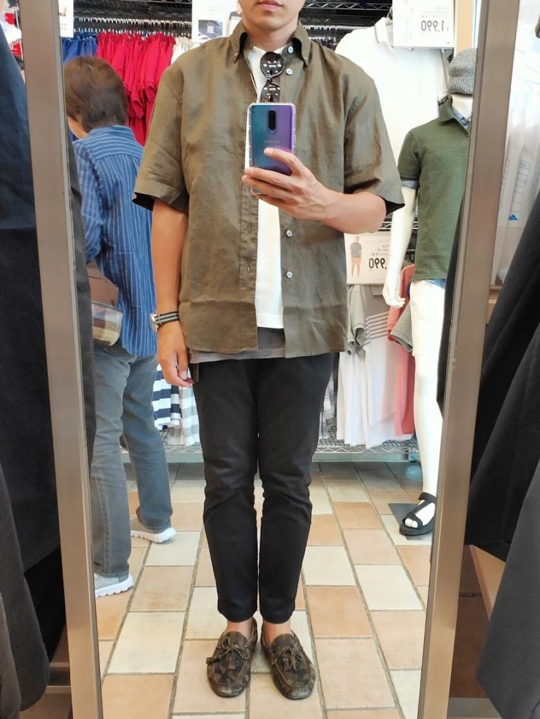 ユニクロUリネンワイドシャツサイズM前ダークグリーン