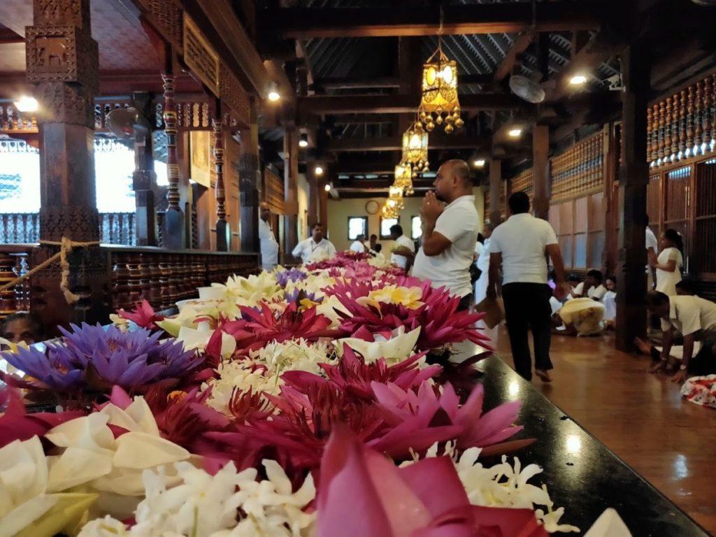 佛歯寺の内部3