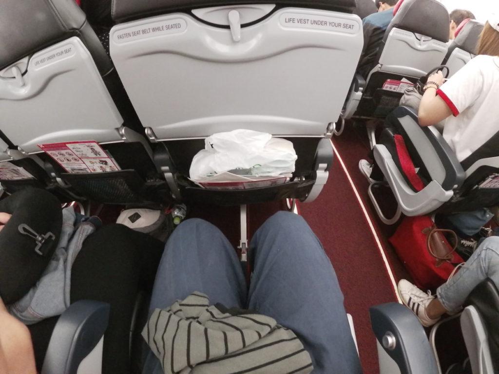 エアアジアの座席の幅