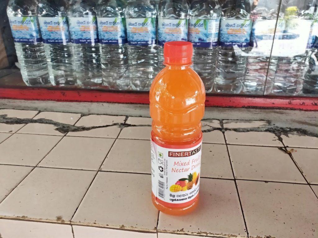 カトゥナーヤカバスステーションで買ったドリンク