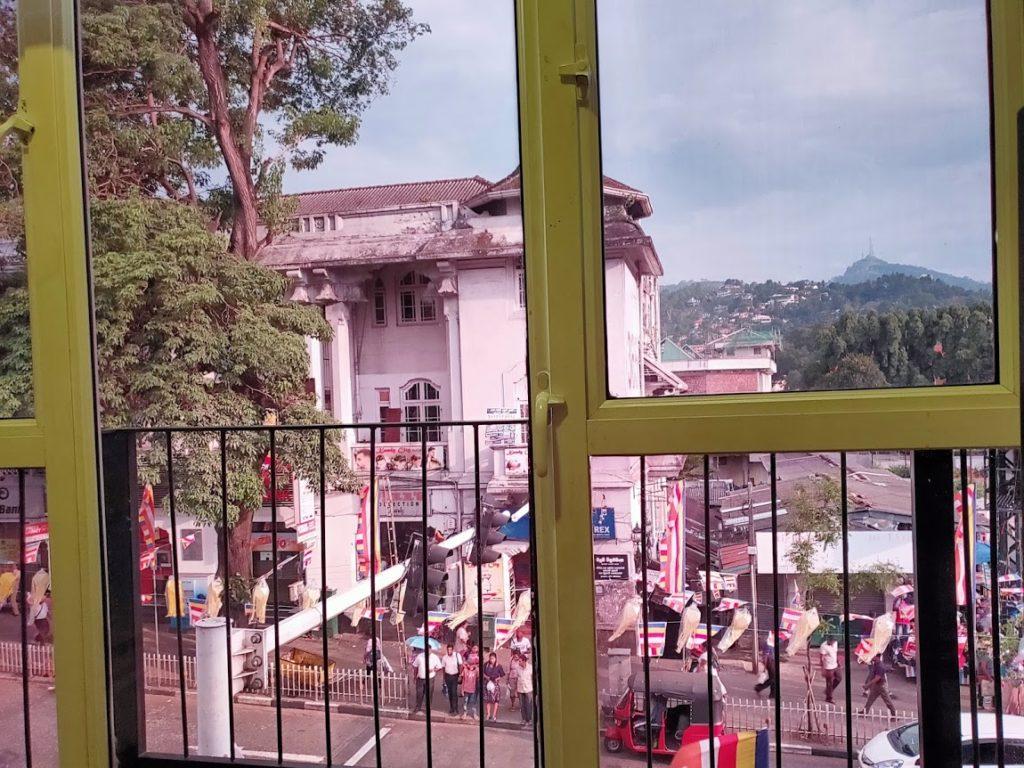 キャンディーインパラホテルの窓からの眺め