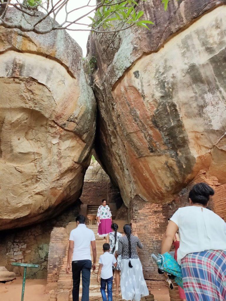 シギリヤロックの最初の岩
