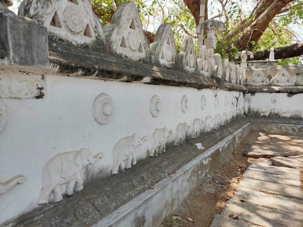 トリンコマリーの寺院の壁