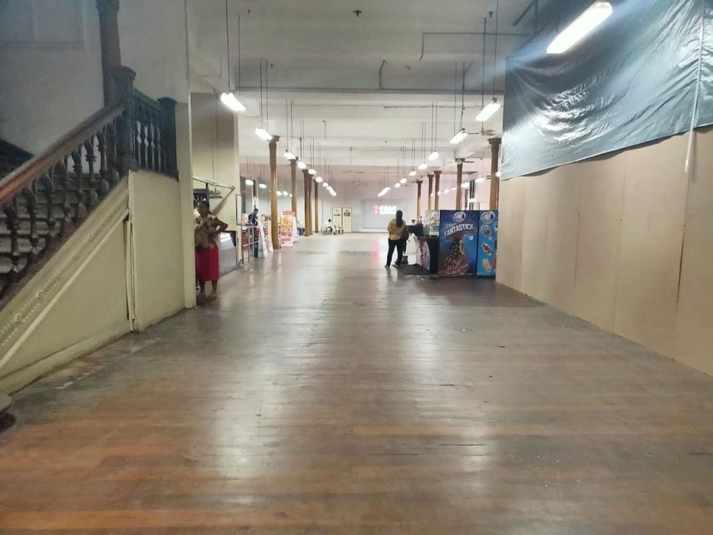 コロンボのスーパーマーケットの入り口