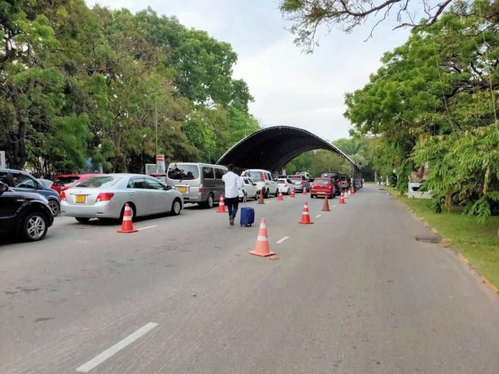 バンダラナイケ国際空港の渋滞