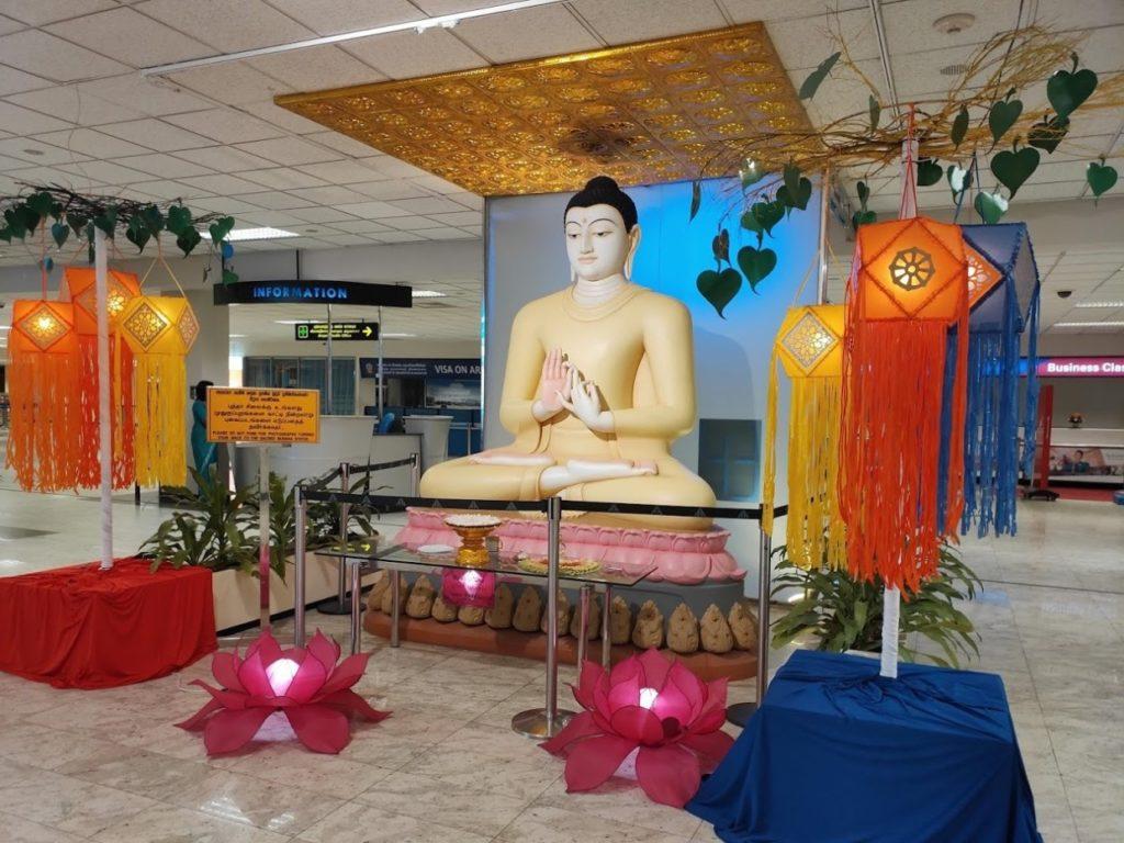 バンダラナイケ国際空港のブッダ