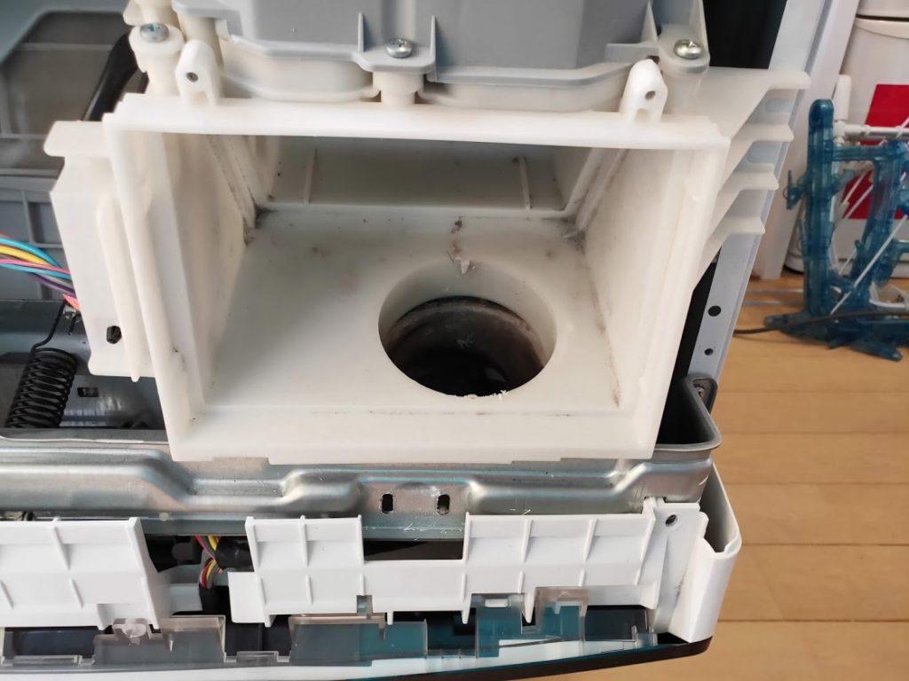 パナソニック洗濯機ホースの穴