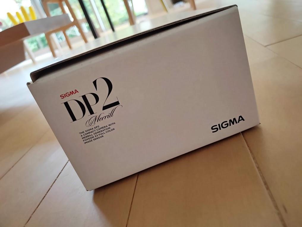 シグマDP2メリルの箱