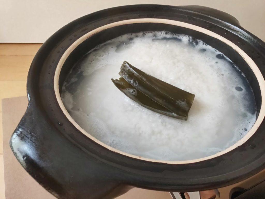 土鍋で炊飯水が沸騰した