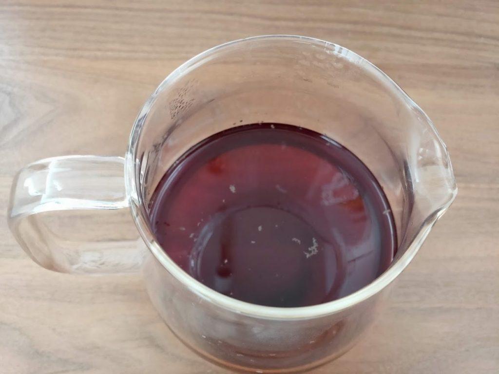 スリランカリプトンセイロンティーのティーポットと紅茶の完成