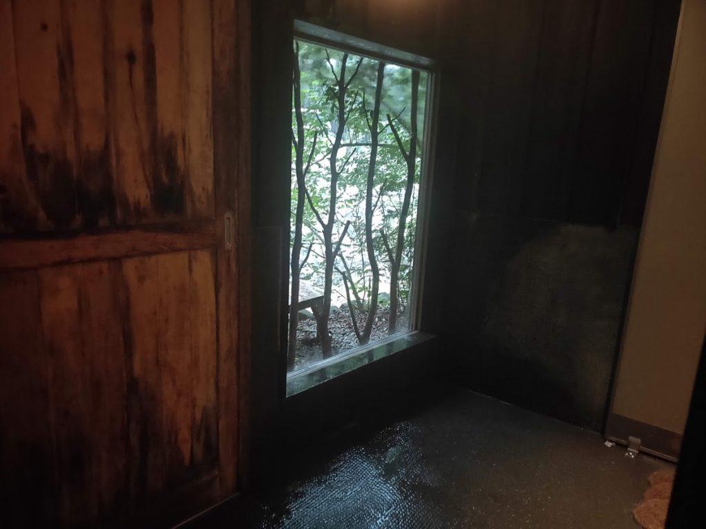 そうだ山温泉の内湯の窓