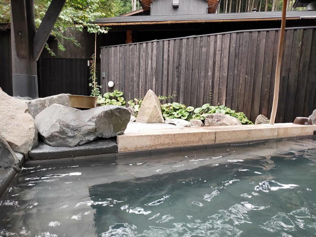 そうだ山温泉の露天風呂2