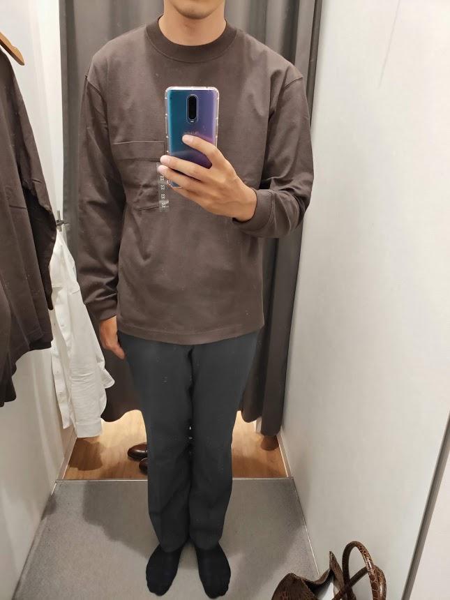 ユニクロUクルーネックロングTシャツサイズM前