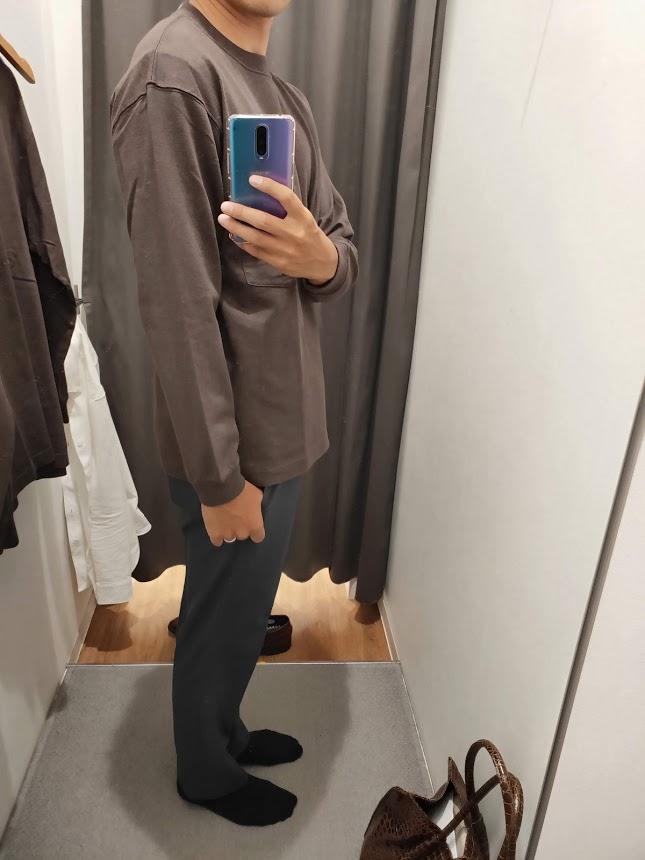 ユニクロUクルーネックロングTシャツサイズM右