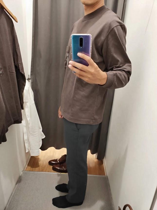 ユニクロUクルーネックロングTシャツサイズM左