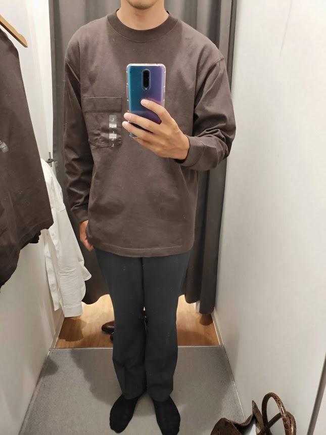 ユニクロUクルーネックロングTシャツサイズL前1