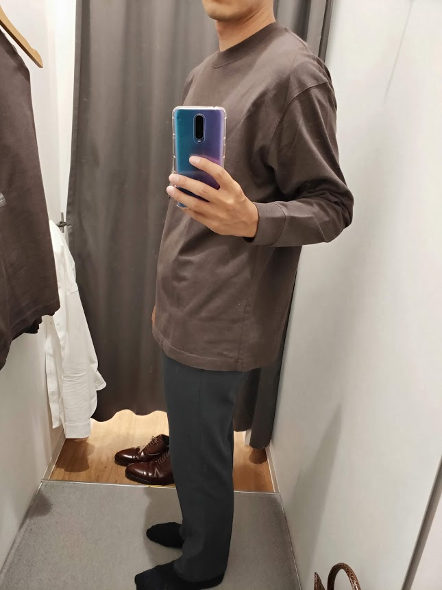 ユニクロUクルーネックロングTシャツサイズL左