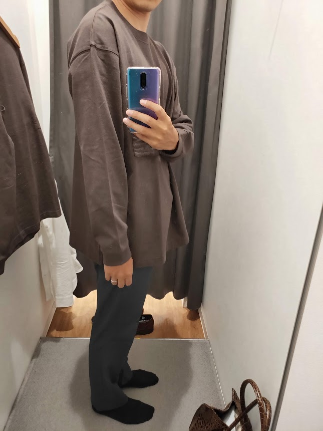 ユニクロUクルーネックロングTシャツサイズXL右