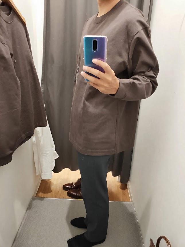 ユニクロUクルーネックロングTシャツサイズXL左