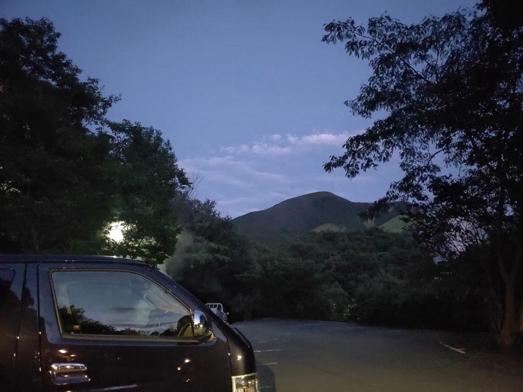はげの湯温泉くぬぎ湯の夜の景色