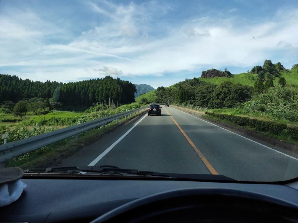 鍋の平キャンプ場へ車で行く道