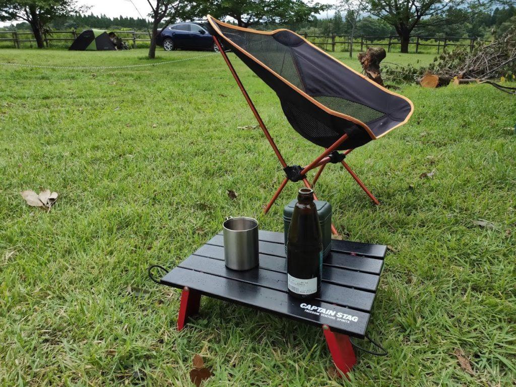 キャプテンスタッグアルミローテーブルとチェアとサイドテーブル