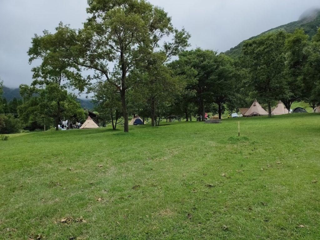 鍋の平キャンプ場のサイトの景色