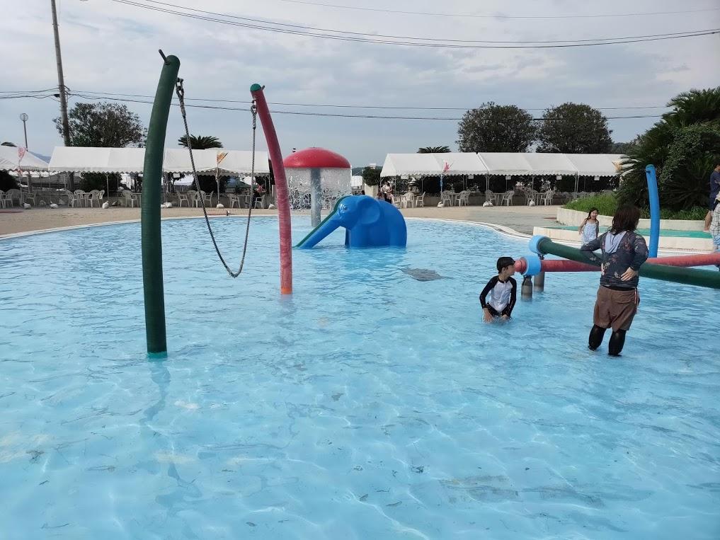 因島アメニティープールの子供のプール
