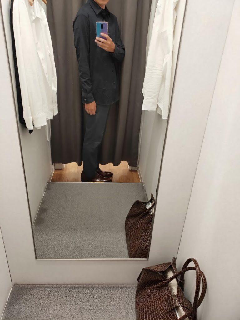 ユニクロイージーケアジャージシャツのネイビーサイズL外だし右