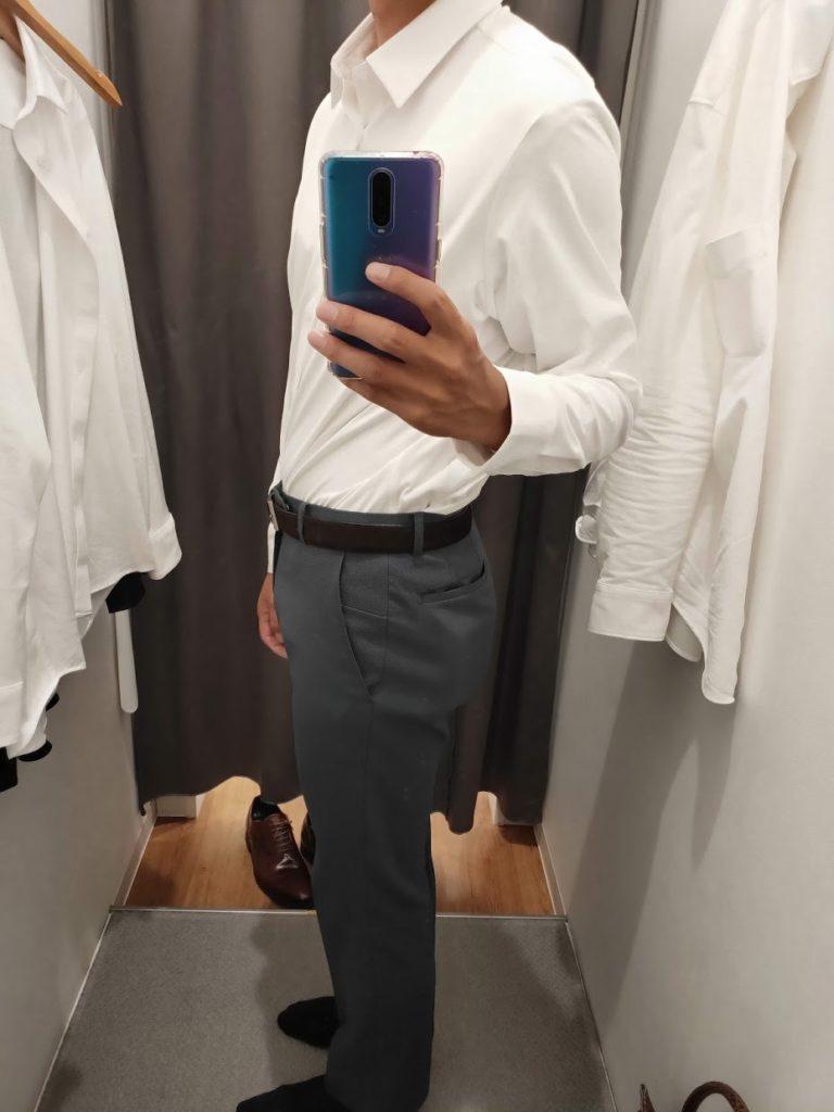 ユニクロイージーケアジャージシャツの白サイズL左