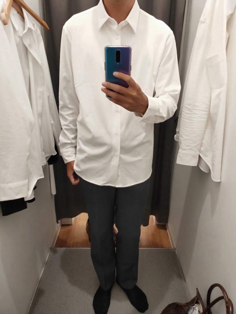 ユニクロイージーケアジャージシャツの白サイズL外だし前