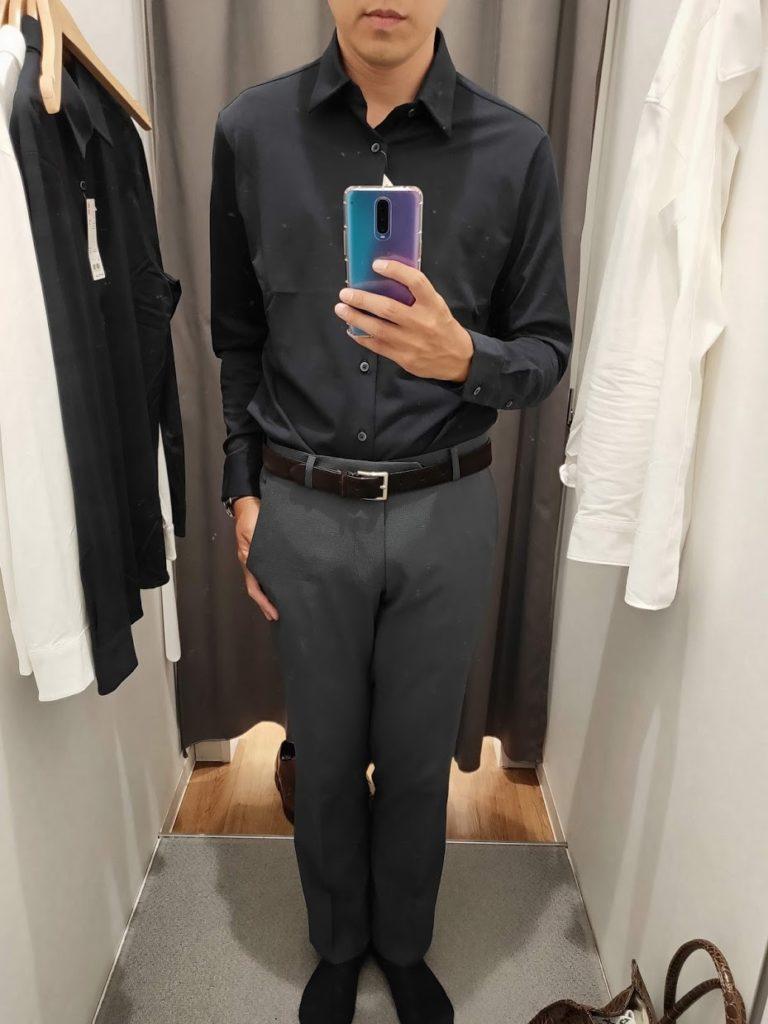 ユニクロイージーケアジャージシャツのネイビーサイズM前